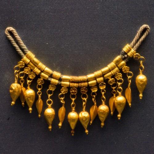 Ancient Greek and Roman jewelry