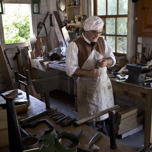 colonial williamsburg tinsmith